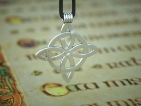 Celticknot Pendant5 in Polished Silver