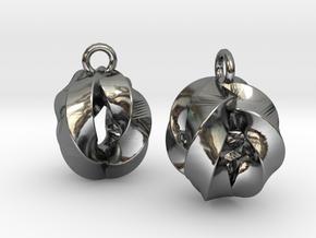 Crossing-Rings-EarRings in Fine Detail Polished Silver