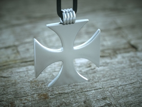 Crusader Cross Pendant  in Polished Silver