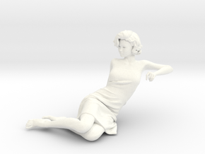 Lady sitting-017 scale 1/24 Passed in White Processed Versatile Plastic