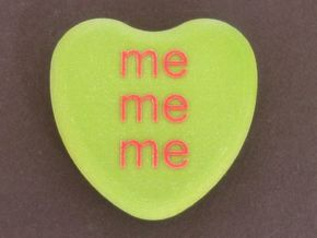 "Candy Heart ""me me me"" - Green/Red in Full Color Sandstone"