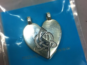Heart Pendent (Sisters Bond Celtic) in Fine Detail Polished Silver