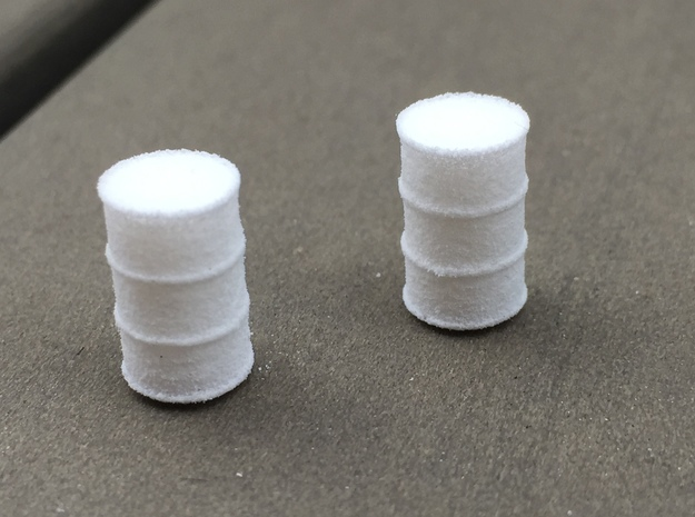 Ho scale 44-gallon drums (8) in White Strong & Flexible