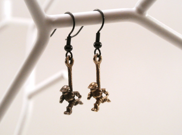 Running Robot Earrings 3d printed