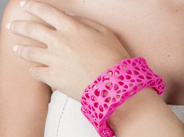 Flowers Cuff (Size L) in Pink Processed Versatile Plastic