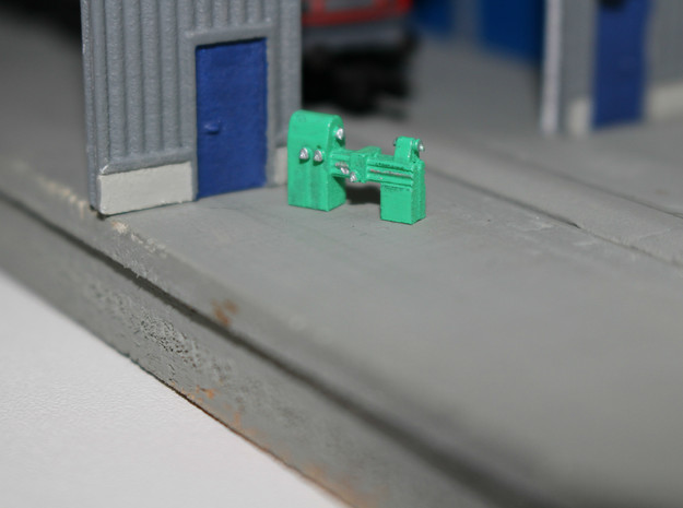 N Scale Lathe (3pc) in Smooth Fine Detail Plastic