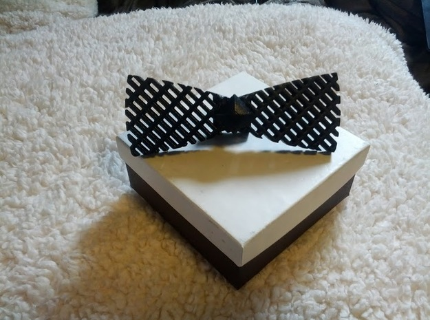Spinning bow tie - stretched checker in White Strong & Flexible Polished
