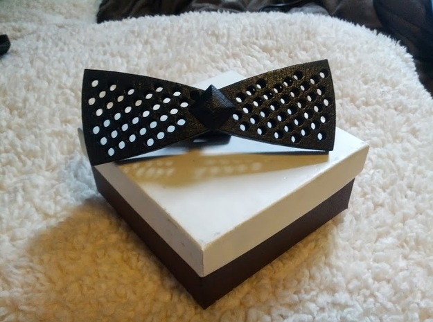 Spinning bow tie - rounded holes in White Strong & Flexible