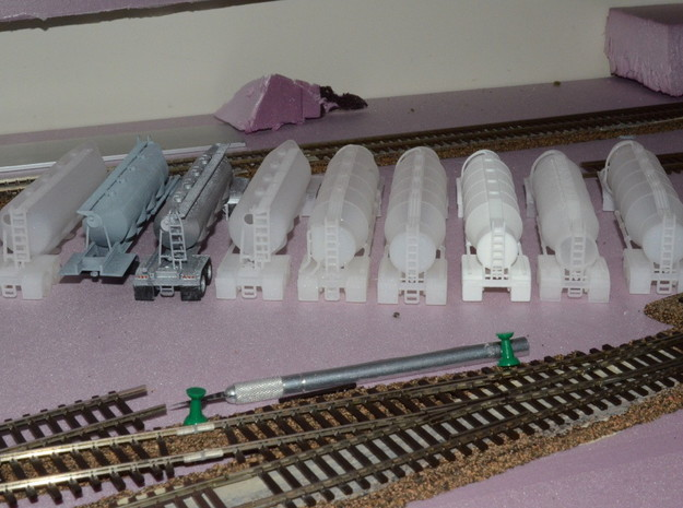 HO 1/87 Dry Bulk Trailer 03 with cyclone 3d printed A customers fleet of my trailers.