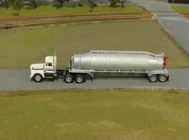 HO 1/87 Dry Bulk Trailer 03 with cyclone 3d printed A customers painted model.