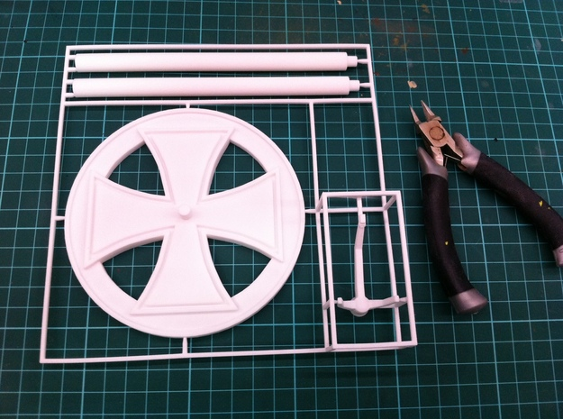 BF109 Stand, 1/56 scale, 28mm wargames in White Strong & Flexible