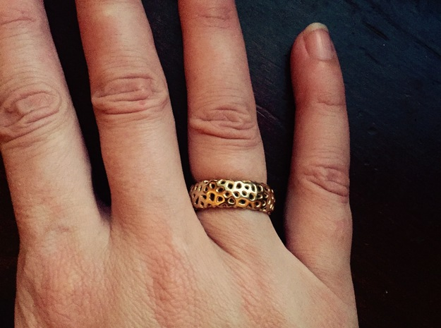 Cellular Ring Sz 7 in 18k Gold Plated Brass