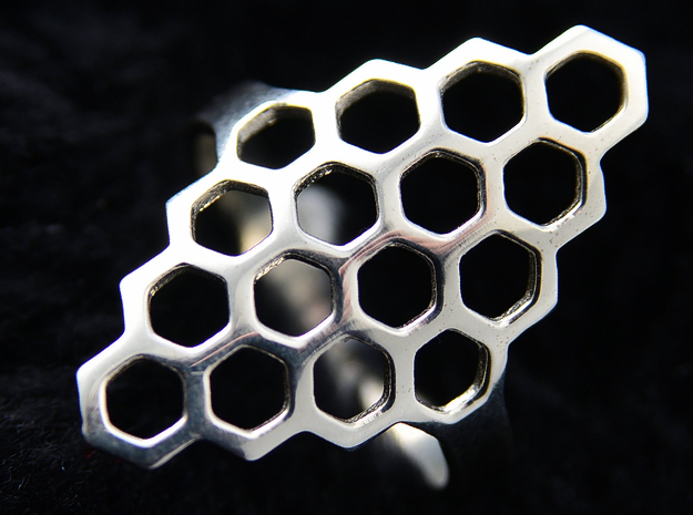 Fine Honey Comb Ring in Polished Silver