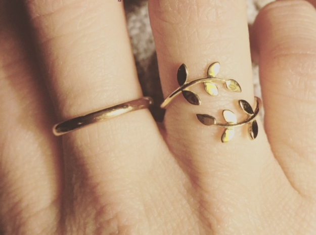 Vine Ring in Polished Brass