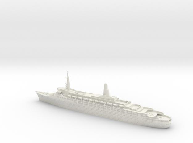 1:1200 Queen Elizabeth 2 QE2 (1969)  in White Natural Versatile Plastic