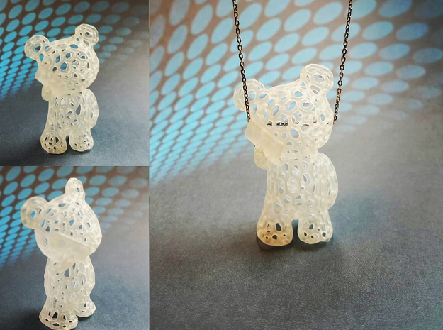 Phoneholic Bear - Pendant in Smooth Fine Detail Plastic