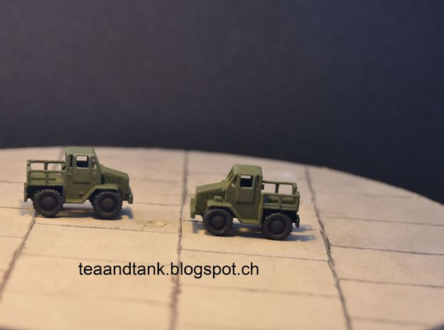 1/144 Coleman Tug Tractor for modern air fighters in White Strong & Flexible