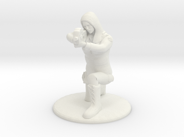 Soldier Crouched Aiming P90 - 20 mm in White Strong & Flexible