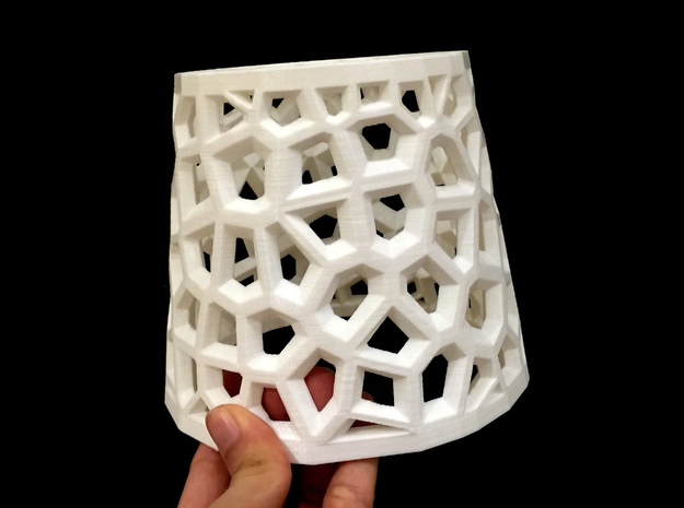 Angular Voronoi Lampshade in White Strong & Flexible