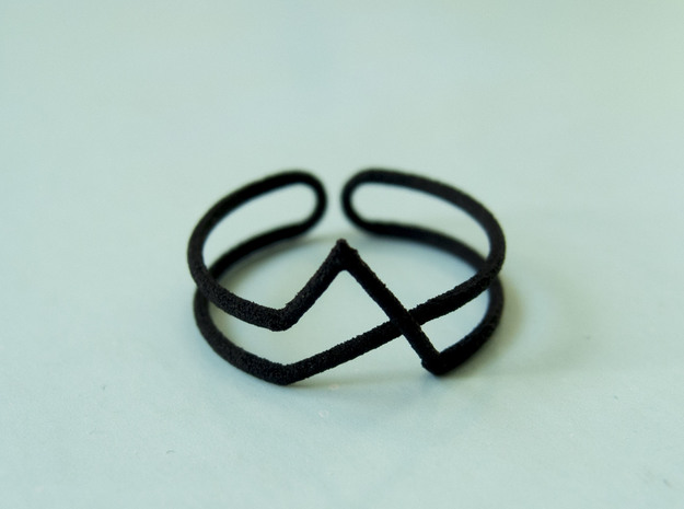 Continuous Geometric Ring  in Stainless Steel: 8 / 56.75
