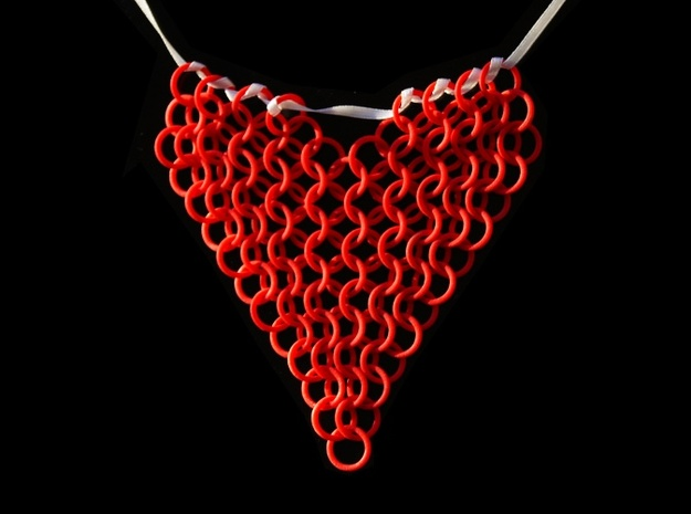 Chainmail Heart Collier in Red Processed Versatile Plastic