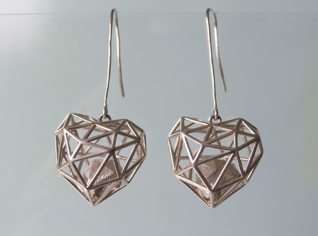 Metal Wireframe Heart Earring in Polished Silver (Interlocking Parts)