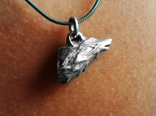 Wolf Head Pendant in Polished Silver