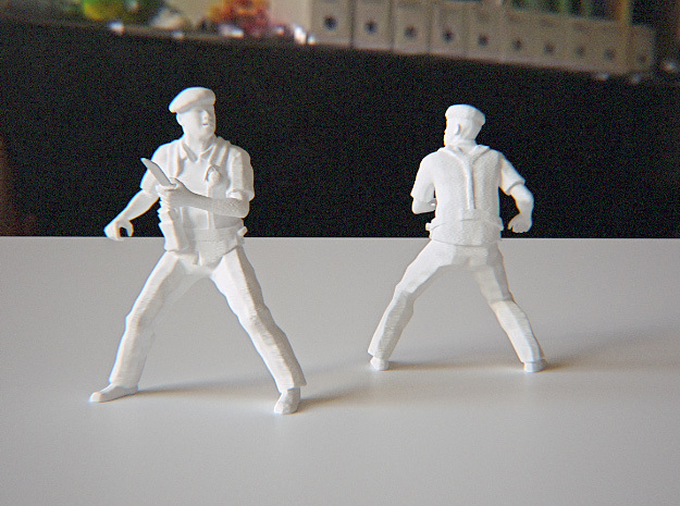 Soldier with Knife 1:24 in White Strong & Flexible