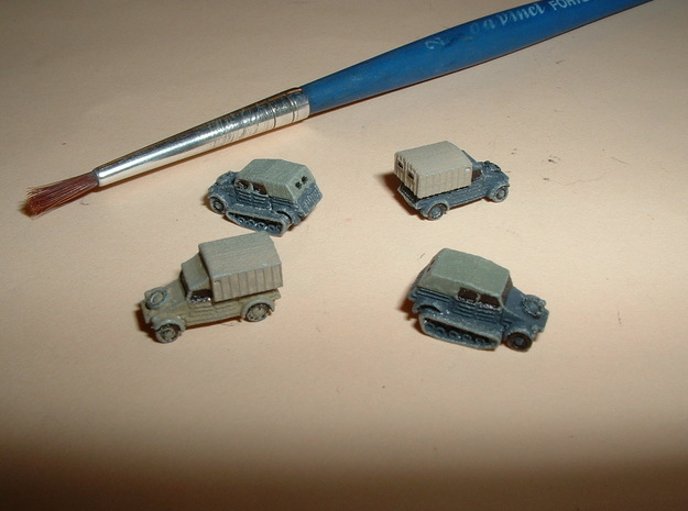 German VW Kübelwagen Variants 1/144