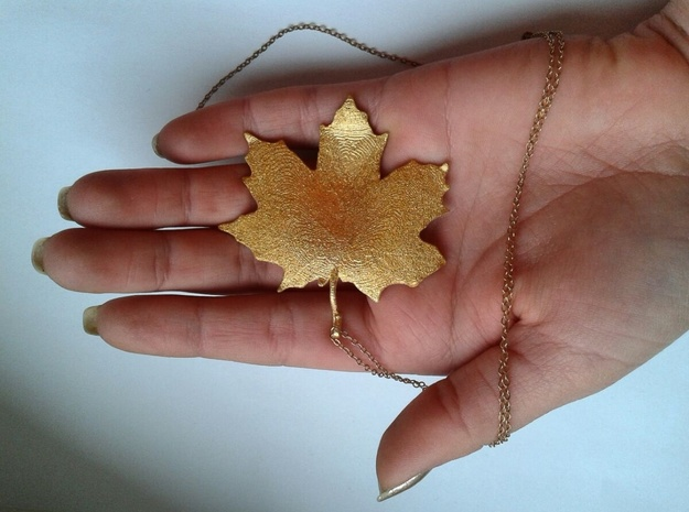 Maple Leaf in Polished Gold Steel