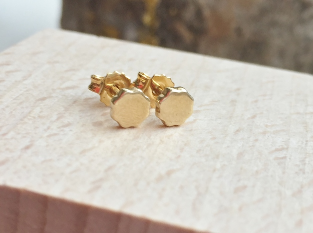 Flower Power - Mini Stud Earrings in Polished Brass