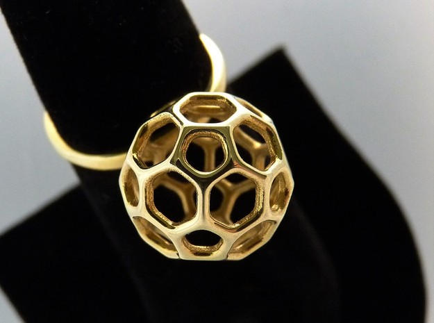 Simple Ball Summer Ring Size 7 in Polished Brass
