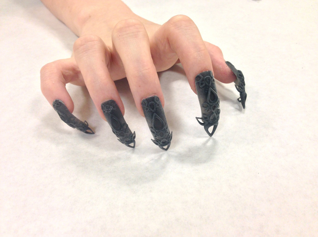 Castle Nails (Size 0)  in Black Natural Versatile Plastic
