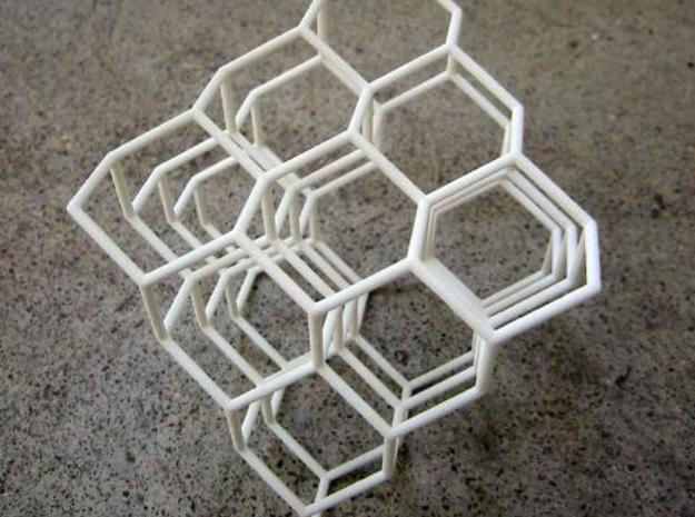 Diamond structure 3d printed IRL.