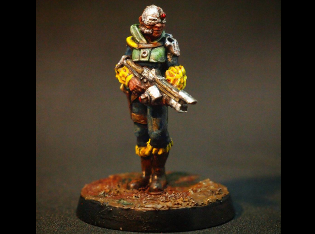 28mm Female Cyborg in Smooth Fine Detail Plastic