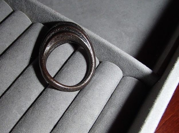 Ring size 8 in Polished and Bronzed Black Steel