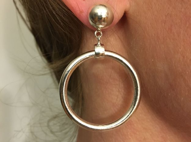 Iconic Marilyn Monroe Replica Earring in Interlocking Polished Silver