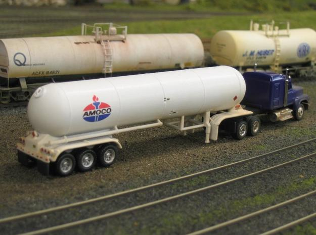 HO 1/87 LPG tri-axle tanker, trailer 15 3d printed My tri-axle LPG, note the 3D-printed wheels have been replaced with Promotex items.
