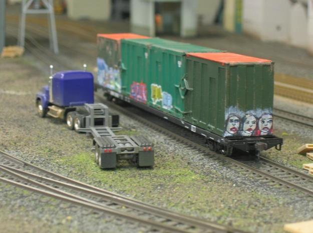 HO 1/87 MSW Trash Train Lowboy road trailer 3d printed The lights are made from jewels.