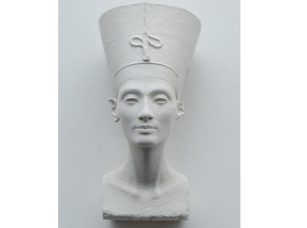 Nefertiti Bust in Frosted Extreme Detail
