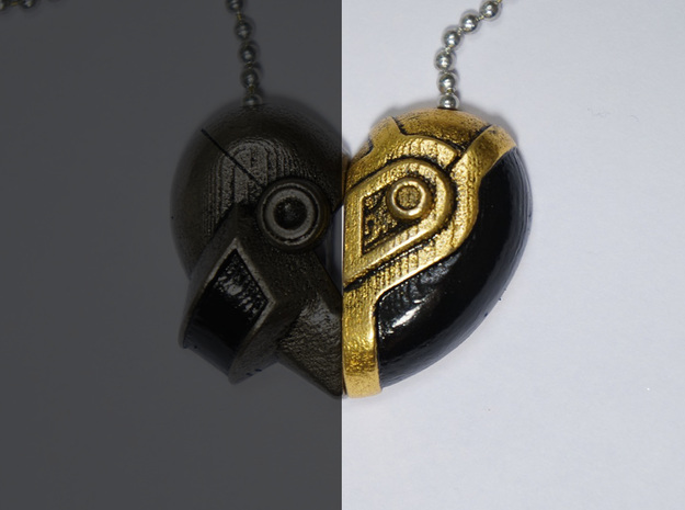 Robot Love Pendant (Gold Half) 3d printed Read Below