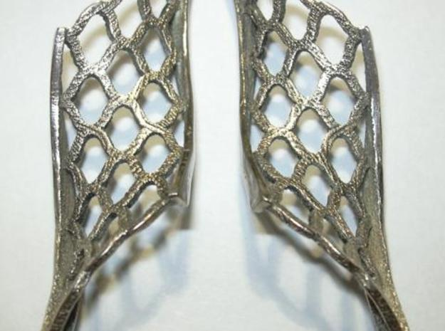 Twisted lattice girder earrings 3d printed Photo - polished and buffed