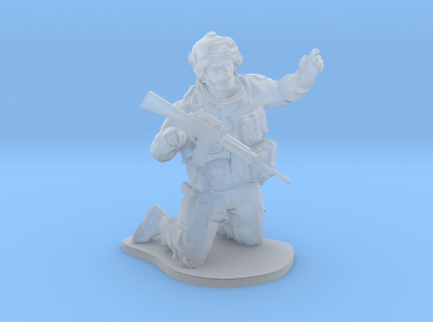 Soldier USA on knees esc: 1/64 (28 mm) in Frosted Ultra Detail
