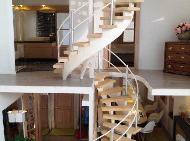 1:12 Wendeltreppe  / Spiral Staircase in White Strong & Flexible