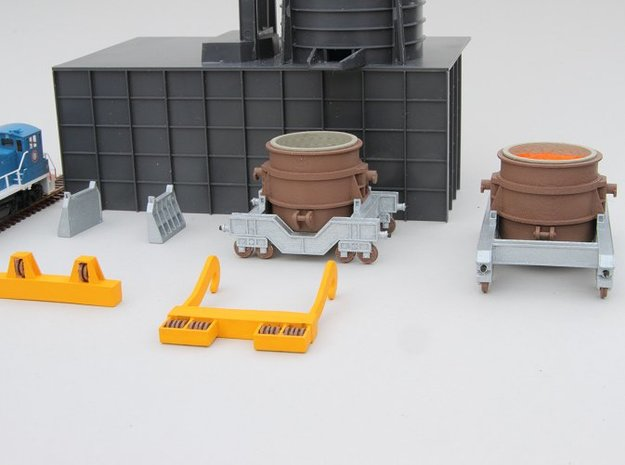N-scale 250 ton Teeming Ladle, empty 3d printed Family portrait of the 250 ton ladle series. Walthers Cornerstone Electric Furnace and switcher shown for size reference.