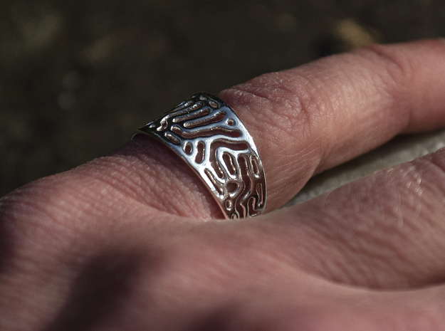 Reaction Diffusion Ring  in Polished Silver