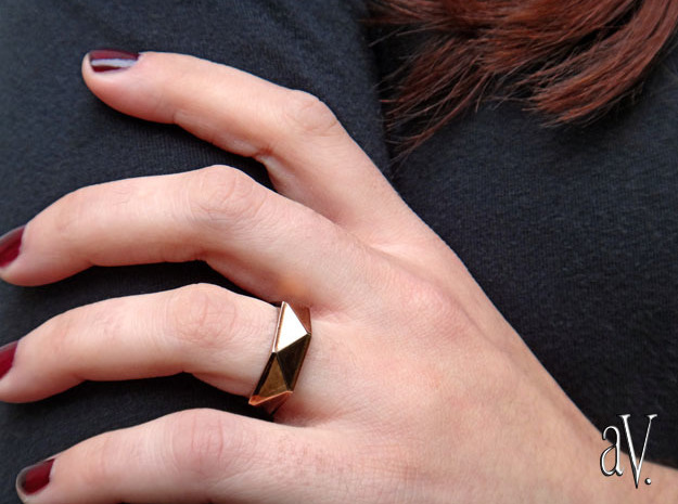 Faceted6 Sided Ring