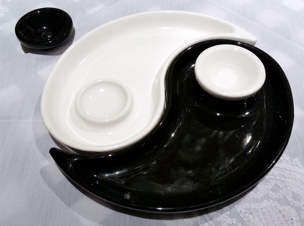Yin Yang dish with little bowl for souce 3d printed Photo of the real product