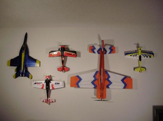 Small Plane Holder 3d printed Each plane is suspended using 1 Small Plane Hanger Lite and a bent piece of coat hanger.