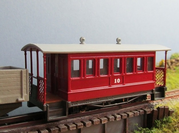 009 Tram Style Coach in Smooth Fine Detail Plastic